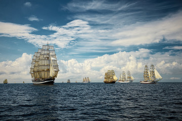 Obraz na SzkleFantastic beautiful sailing ships