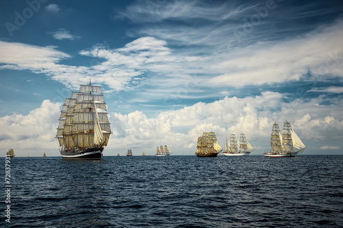 Obrazy na płótnie Canvas Fantastic beautiful sailing ships