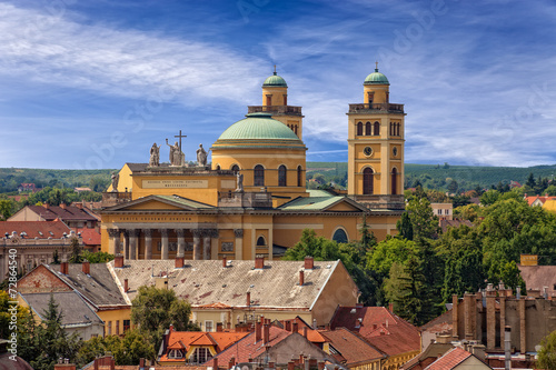 Fotografia  The Basilica is the only Classicist building in Eger, Hungary.