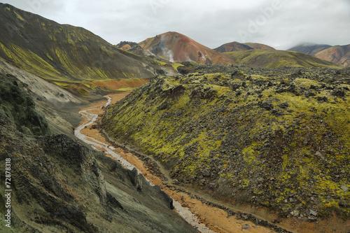 Spoed Fotobehang Chinese Muur Multicolored mountains at Landmannalaugar,