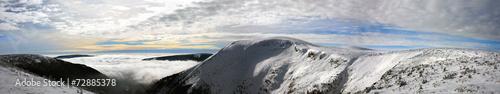 Fototapeta Panorama. Fog in the valley. obraz