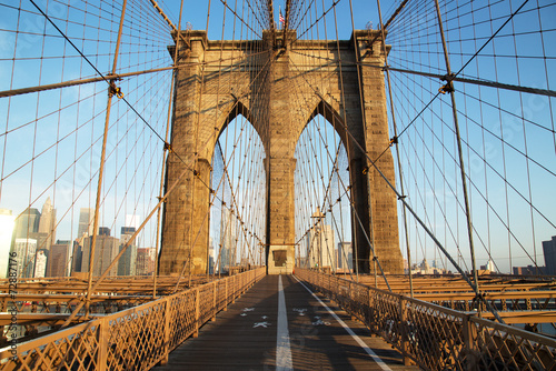 Fotobehang Bruggen Brooklyn Bridge at sunrise, New York City