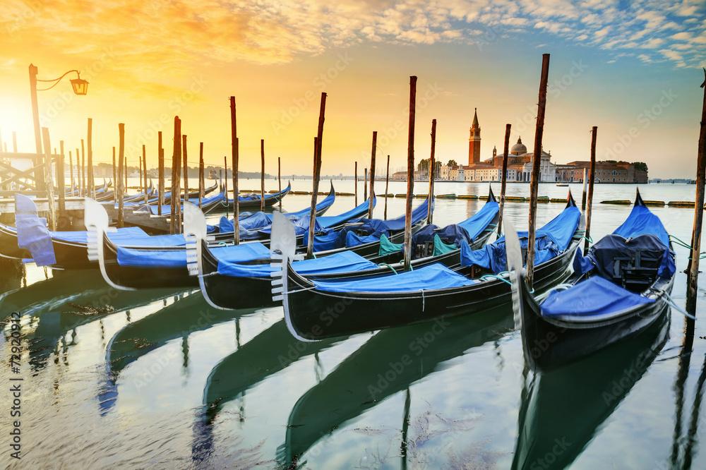 Fototapety, obrazy: Gondole w Wenecji