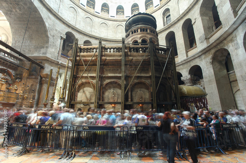 Canvas Print Visitors at the Church of the holy Sepulcher