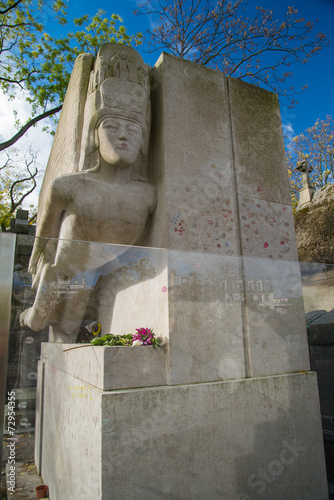 Fotografie, Obraz  Famous writer Oscar Wilde tomb in Paris, France