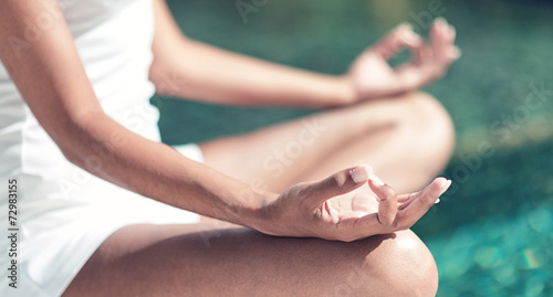 Staande foto School de yoga Close up Lotus Yoga Hand Gesture