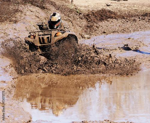 Fototapety, obrazy: Extreme driving ATV.