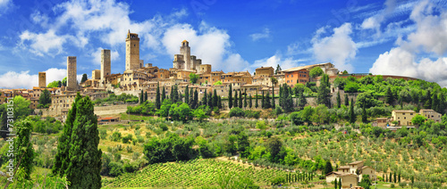 Foto  panorama of beautiful San Gimignano, Tuscany. Italy