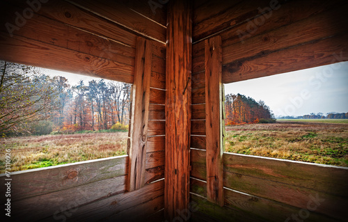 Poster Chasse Interior of hunting tower in autumn season.