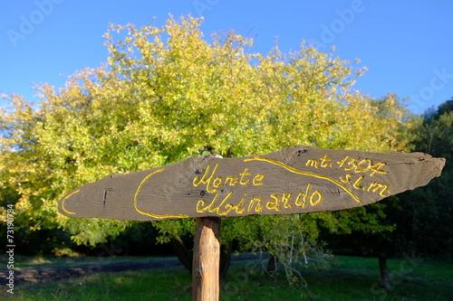 Fényképezés  Yellow Sign in Etna National Park, Sicily