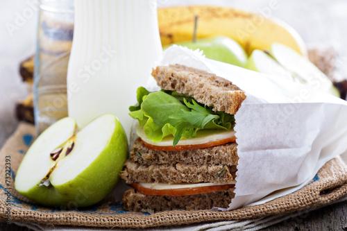 Fotografía  Almuerzo o desayuno para llevar