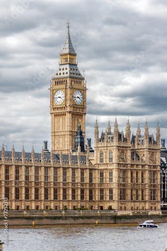 palac-westminsterski-w-londynie