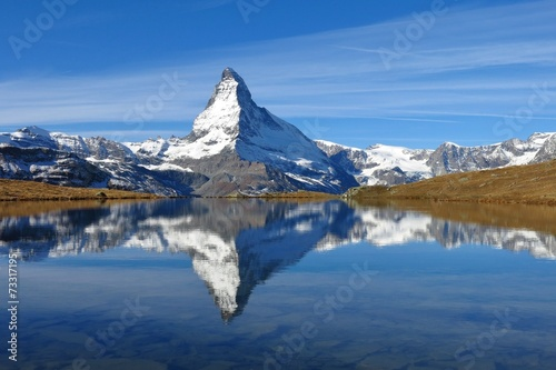 Photo  Matterhorn mirroring in lake Stellisee