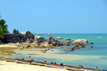 Boat Rentals In The Park World's End, China, Hainan, Sania