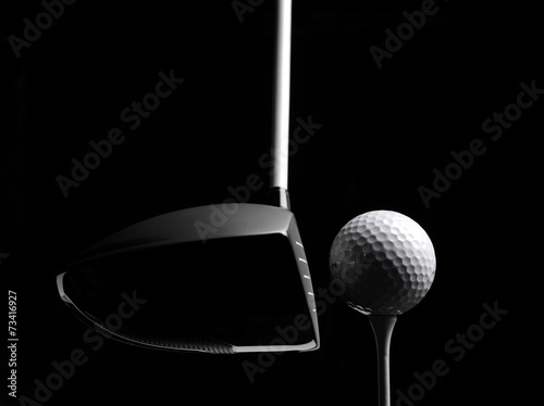 Deurstickers Golf Golf Wood with a Golf Ball and Golf Tee Isolated on Black