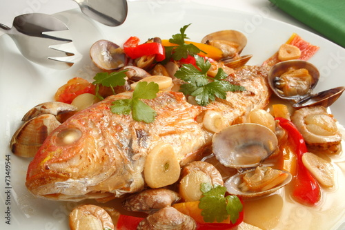 Deurstickers Klaar gerecht アクアパッツア 魚料理
