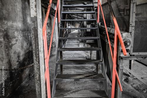 zardzewiale-ruiny-przemyslowe