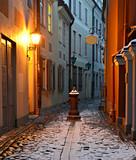 Fototapeta Uliczki - Narrow street in old Riga, Latvia