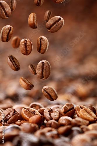 Cuadros en Lienzo Fallende Kaffeebohnen