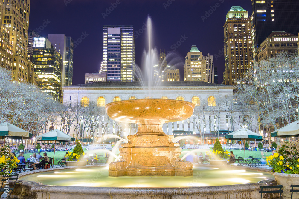 Fototapety, obrazy: Bryant Park Fountain in New York City