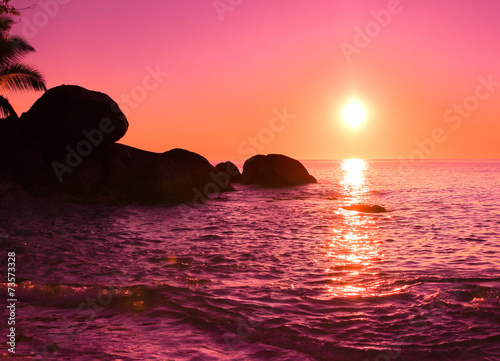 Foto op Plexiglas Crimson Ocean Coast Night