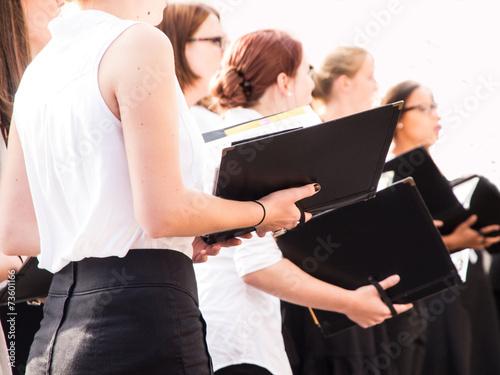 Chorsängerinnen Fotobehang
