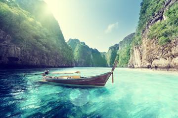 Fototapeta na wymiar bay at Phi phi island in Thailand