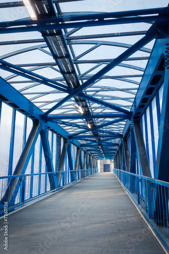 Papiers peints Tunnel footbridge