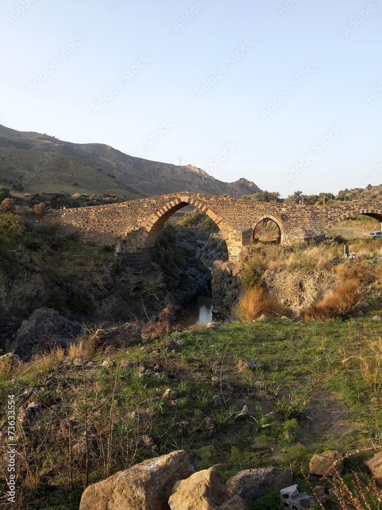 Fényképezés  Ponte dei Saraceni Adrano