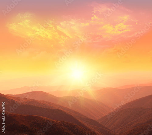 Foto op Aluminium Bergen sunrise in the mountains