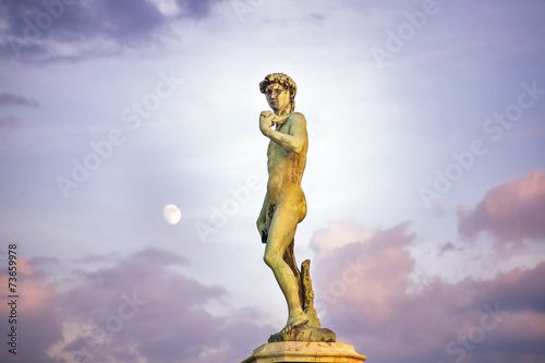 Photo Piazzale Donatello square full moon sunset clouds