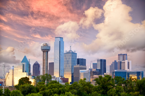 Montage in der Fensternische Texas Dallas City skyline at sunset, Texas, USA