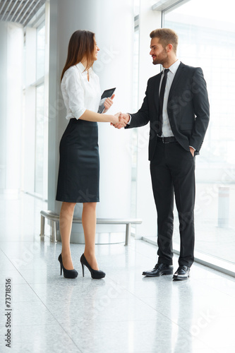 Fotografía  Business People. Successful Business Partner Shaking Hands in th