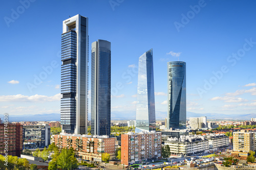 Foto  Madrid, Spain Financial District at Cuatro Torres