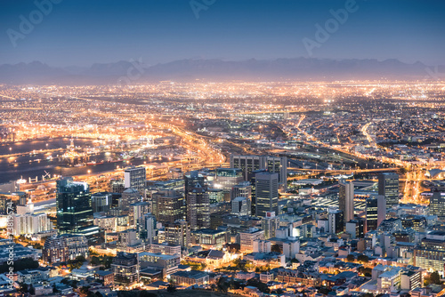 Poster de jardin Afrique du Sud Aerial view of Cape Town from Signal Hill after sunset
