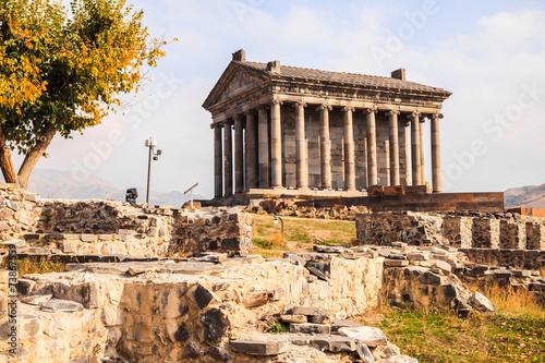 Spoed Fotobehang Bedehuis Garni Pagan Temple in Armenia