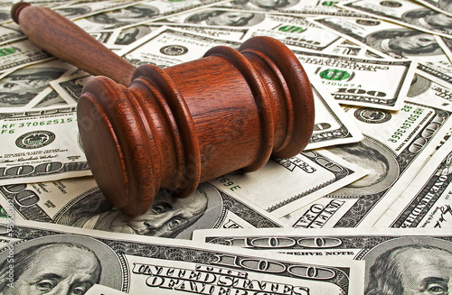 Wooden gavel and American dollars Fototapet