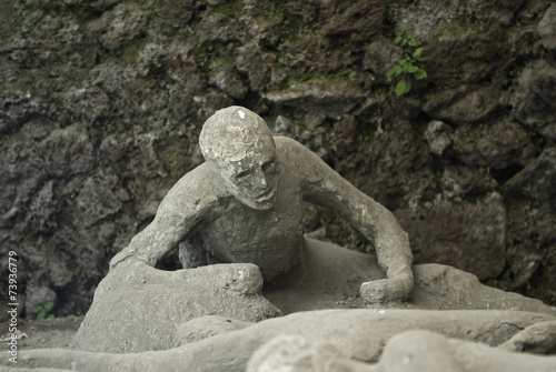 Carta da parati eruption victim of Vesuvius in Pompeii