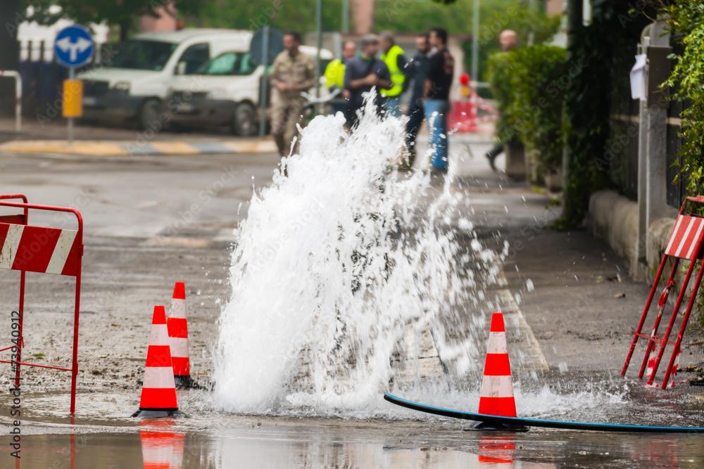 Fototapety, obrazy: road spurt water beside traffic cones