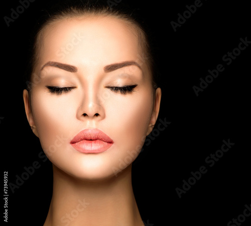 Poster - Beauty woman face closeup isolated on black background