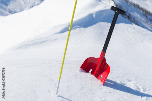 Foto Avalanche safety gear in snow