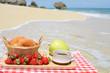 美しいビーチと食べもの