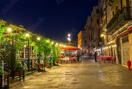 Obrazy na płótnie Canvas Embankment of Grand Canal in Venice at night. Italy