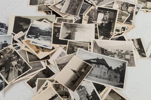 Foto  Bilderstapel mit alten Bildern