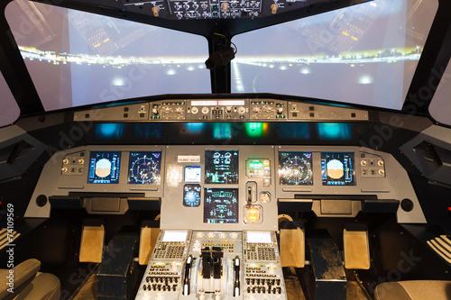 Fotografie, Obraz  Vnitřek domácí letového simulátoru kokpitu