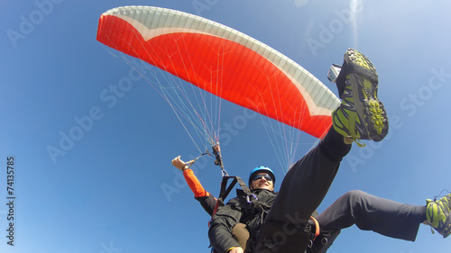 Paraglider tandem from below