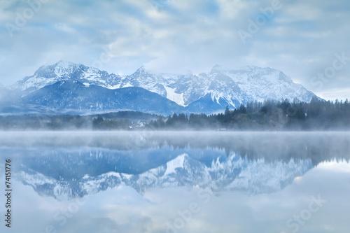 Fotobehang Reflectie Karwendel mountain range reflected in lake