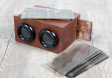 Wooden Stereoscope With Glass ...