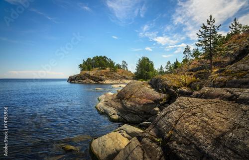 Valokuva  rocky coast of ladoge lake