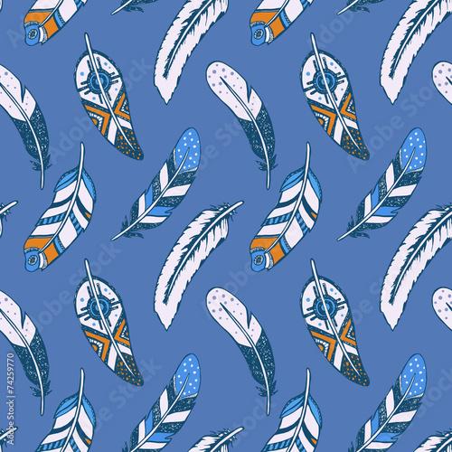 etniczna-tekstura-z-piorami-na-niebieskim-tle